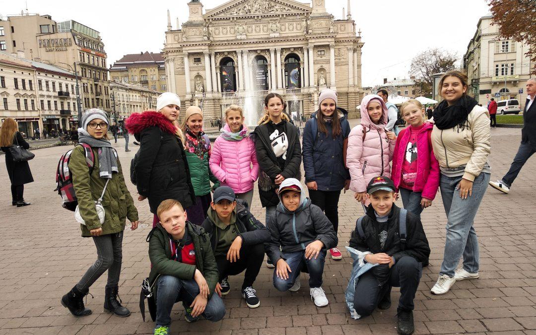 Шестикласники у Львові